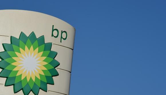 Grandes petroleras como BP, Total y Royal Dutch Shell han reducido progresivamente sus estimaciones de precios del petróleo a largo plazo al rango de US$ 50-US$ 60 el barril. Sin embargo, algunos analistas prevén niveles aún más bajos, dependiendo del ritmo de la transición energética. (Foto: AFP)
