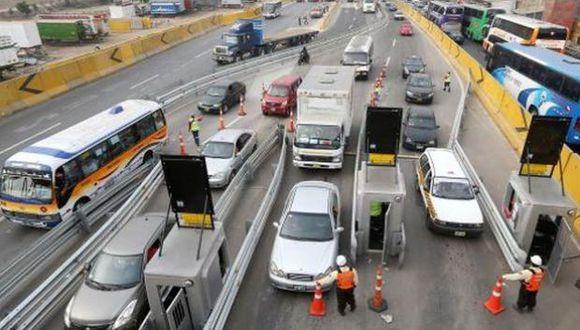 Desde hoy la concesionaria Rutas de Lima SAC elevó la tarifa de peaje de S/ 5.00 A s/ 5.50 (Foto: El Comercio)