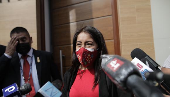 La legisladora envió este lunes un documento a Vásquez Chuquilin para que informe sobre si cumplirá promesas del Gobierno en seis temas diferentes.. Foto: Archivo GEC