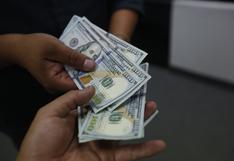 Tipo de cambio cerró al alza en medio de caída del dólar y datos de China