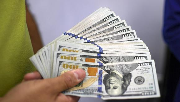 En el mercado paralelo o casas de cambio de Lima, el tipo de cambio se cotizaba a S/ 3.640 la compra y S/ 3.670. (Foto: AFP)