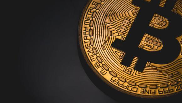 """""""El bitcóin está perdiendo hoy después de que el presidente Biden señaló que quería elevar los impuestos sobre las ganancias de capitales en Estados Unidos"""", dijo Jeffrey Halley, analista sénior de mercados de OANDA."""