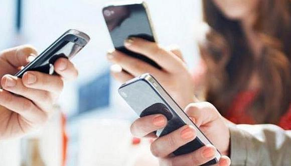 Contratos de servicios móviles pasarán de trece a dos páginas desde diciembre. (Foto: GEC)