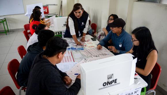 Si un ciudadano no hace uso del aplicativo 'Elige tu local', la ONPE le asignará un local de votación dentro del distrito que registra en su DNI y no necesariamente cercano a la vivienda. (Foto: GEC)
