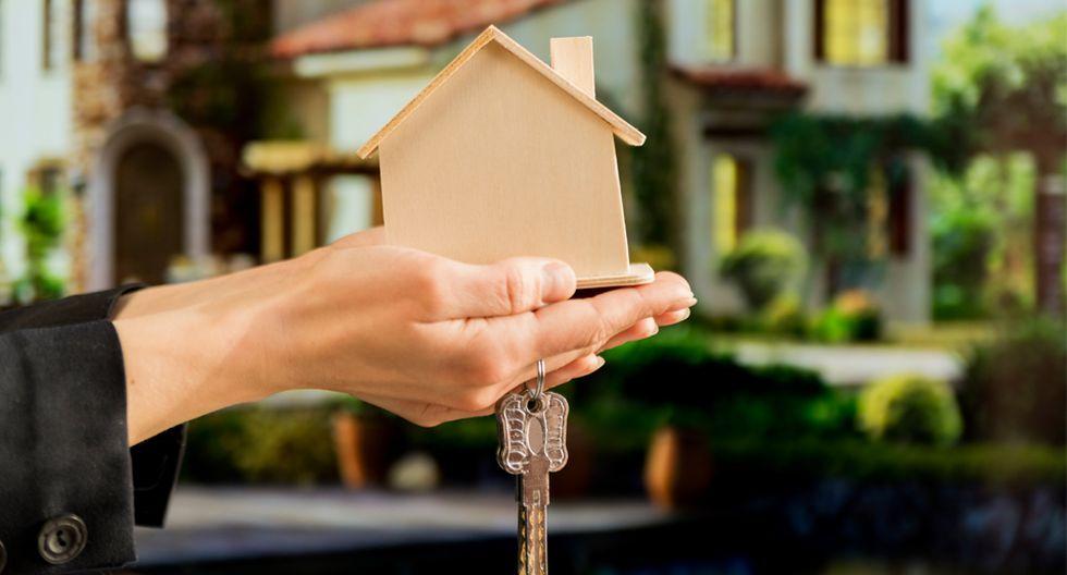 FOTO 1    TEN LOS PAPELES EN REGLA: Ello acreditará la legalidad del inmueble y dará la tranquilidad a los posibles compradores de adquirir la vivienda sin inconvenientes. Revisa la titularidad en Registros Públicos y verifica, en la municipalidad del distrito donde está el inmueble, la hoja de resumen (HR), el predio urbano (PU), el Certificado de Parámetros, las medidas perimétricas, nombre de los propietarios y de ser el caso, ponerse al día en el pago de arbitrios y servicios domésticos. Ten presente que pueden existir algunas diferencias según cada municipio. (Foto: Freepik)