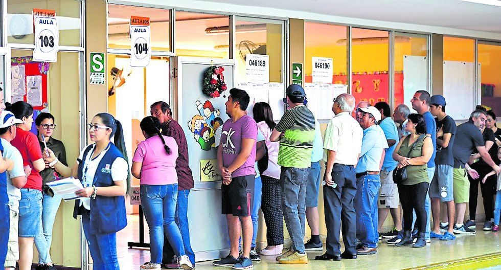 Preferencias. En Lima, solo 12 de los 21 partidos en carrera pasan el 2% de intención de voto. (Foto: GEC)