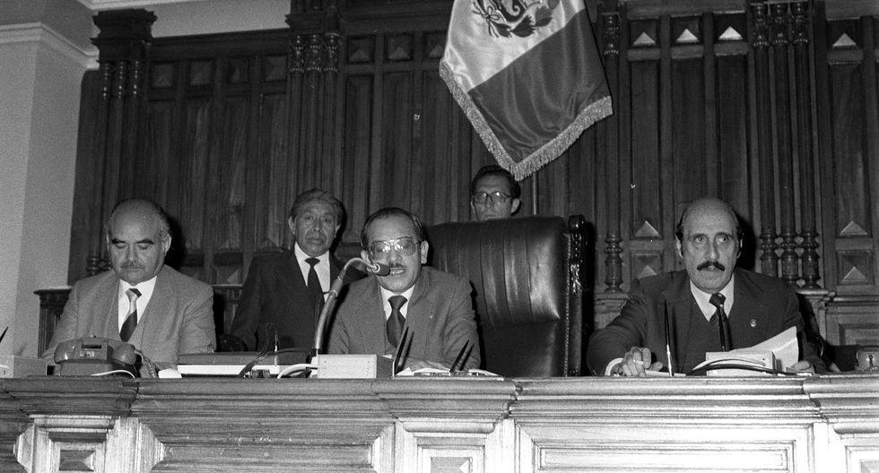 Valentín Paniagua fue elegido como diputado en 1980 y asumió la presidencia de la Cámara de Diputados en 1982. (Foto: Archivo El Comercio)