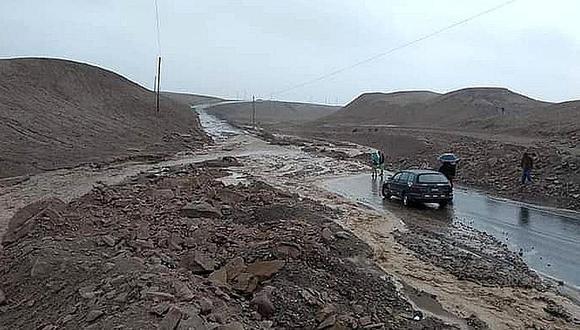 MTC dispuso envío de maquinaria pesada para limpiar las cuatro vías afectadas por huaico en Tacna (Difusión)