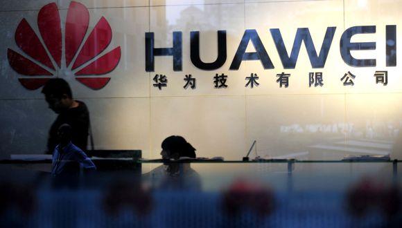 Diversas consultoras discrepan sobre la posición que actualmente ocupa Huawei en el mercado, para algunos entre el segundo y tercer lugar, entre Samsung y Apple. (Foto: AFP)