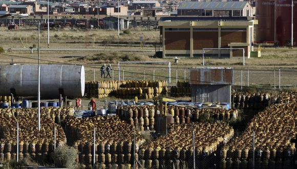 El Ministerio de Hidrocarburos de Bolivia inició las negociaciones para la apertura de mercados privados en Perú y Argentina. (Foto: Reuters)