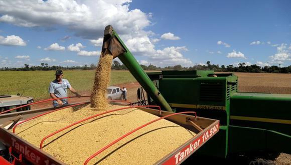 La moneda de Paraguay repuntó en los primeros meses del año luego de que los precios de la soja aumentaran al máximo en casi siete años, lo que elevó las exportaciones del producto básico en 10.4%. (Reuters)