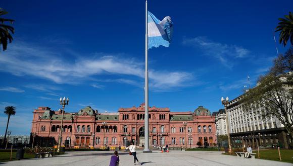 Este índice de inflación se alcanzó luego de que en diciembre el costo de vida en Argentina se elevara un 3.7%. (Foto: Reuters)