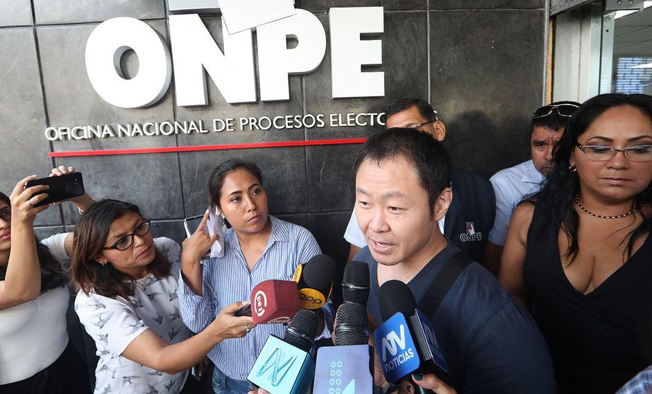 Incluso Kenji Fujimori acudió a la ONPE para solicitar un kit electoral, a fin de iniciar la inscripción de su propio partido: Cambio 21. (Foto: GEC)