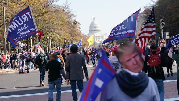 Biden ganó las elecciones con 79.4 millones de votos, frente a los 73.5 millones de Trump, y con 290 votos del Colegio Electoral hasta el momento frente a los 232 de Trump.