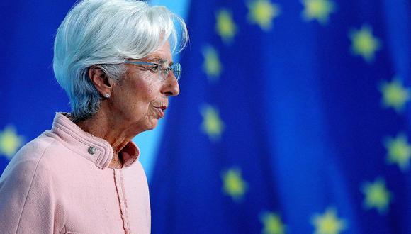 La presidenta Christine Lagarde ofrecerá una rueda de prensa virtual a las 2:30 p.m., hora de Fráncfort, para explicar la decisión del BCE, en la que su desafío será convencer a los inversionistas de que la desaceleración de las compras no es el primer paso hacia una política monetaria más estricta. También presentará proyecciones económicas actualizadas, que se espera que muestren una mejora de las perspectivas de crecimiento e inflación (Foto: AFP)