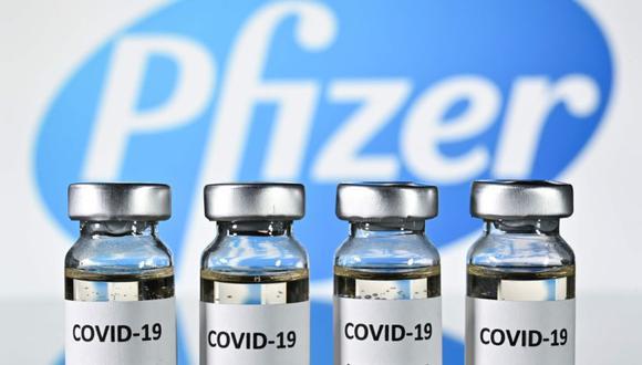La vacuna será suministrada en primera instancia al personal sanitario, seguidos de los trabajadores en las residencias y de los mayores de ochenta años. / AFP / JUSTIN TALLIS