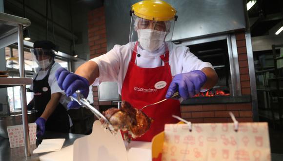 Los restaurantes ya no podrán despachar las 24 horas. (Foto: AP)