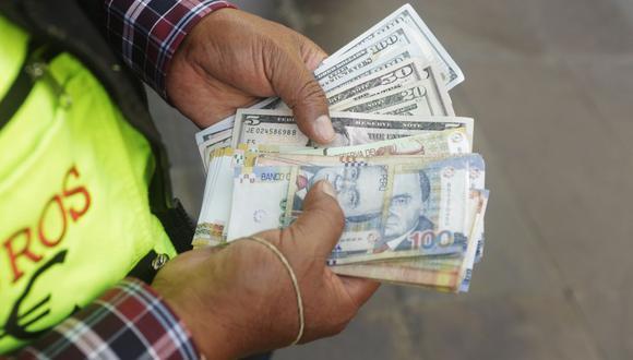 El dólar acumula una ganancia de 8.27% en la plaza local en lo que va del año. (Foto: GEC)