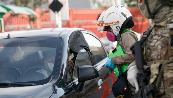 Ejecutivo anuncia que se mantiene el levantamiento de la inmovilización los domingos sin autos particulares. (Foto: GEC)