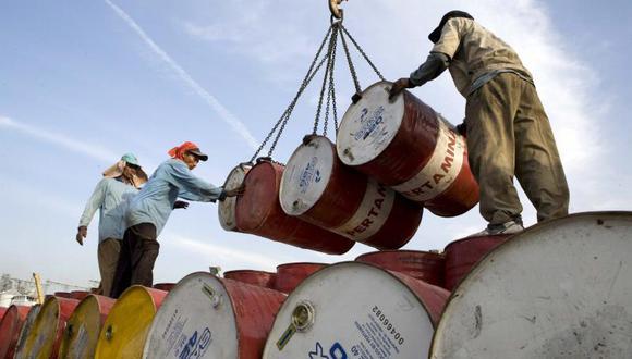 El banco pronostica que la demanda caerá 10.5 millones de barriles al día este mes y 187 millones al día en abril.