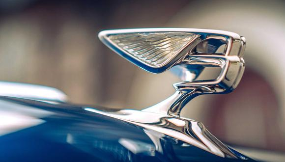 El escultor británico Charles Sykes desarrolló por primera vez Flying B para el fundador de la compañía, W.O. Bentley, en 1919.