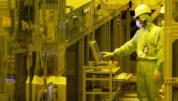 Fabricación de componentes de iPhone. (Foto: Bloomberg)