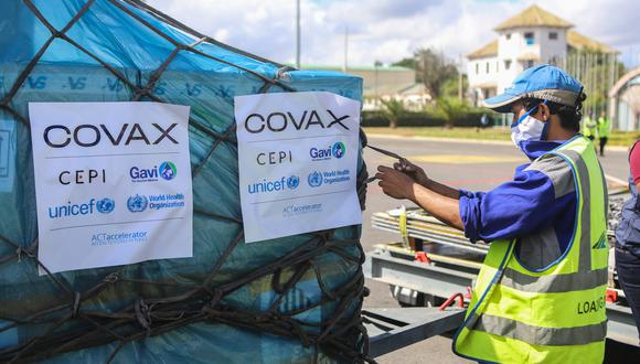 COVAX Facility. (Photo by Mamyrael / AFP).
