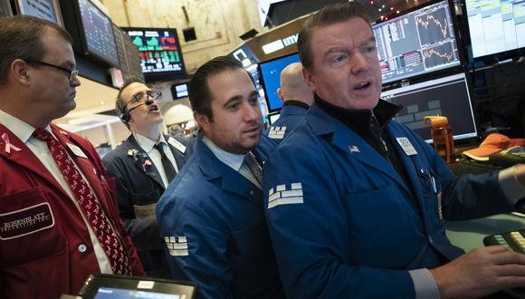 A una hora del cierre de la bolsa, la Reserva Federal anunció un aumento de un cuarto de punto los tipos de interés, que quedaron entre el 2.25 % y el 2.50 %. (Foto: AP)