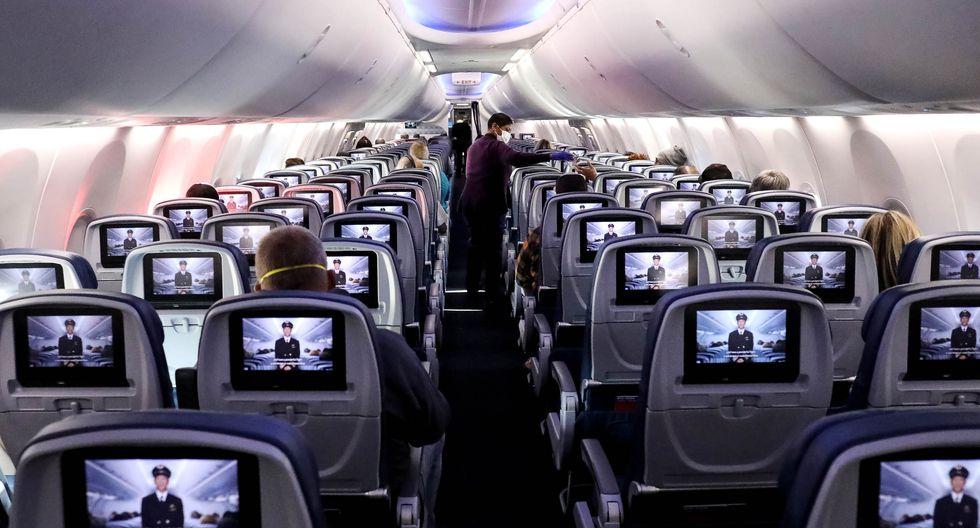 La Asociación Internacional de Transporte Aéreo solo conoce un caso en el que una persona transmitió el virus a más de una persona a bordo. (Getty Images)