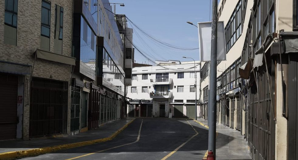 A través de la plataforma implementada por la Municipalidad de Lima se prevé beneficiar a más de 350 administrados al mes. (Foto: César Campos)