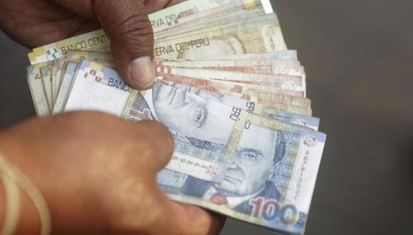 Los trabajadores del sector privado percibirán un sueldo de gratificación por Fiestas Patrias y adicionalmente recibirán una bonificación extraordinaria del 9%, conforme a la Ley N° 30334. (Foto: USI Perú21)