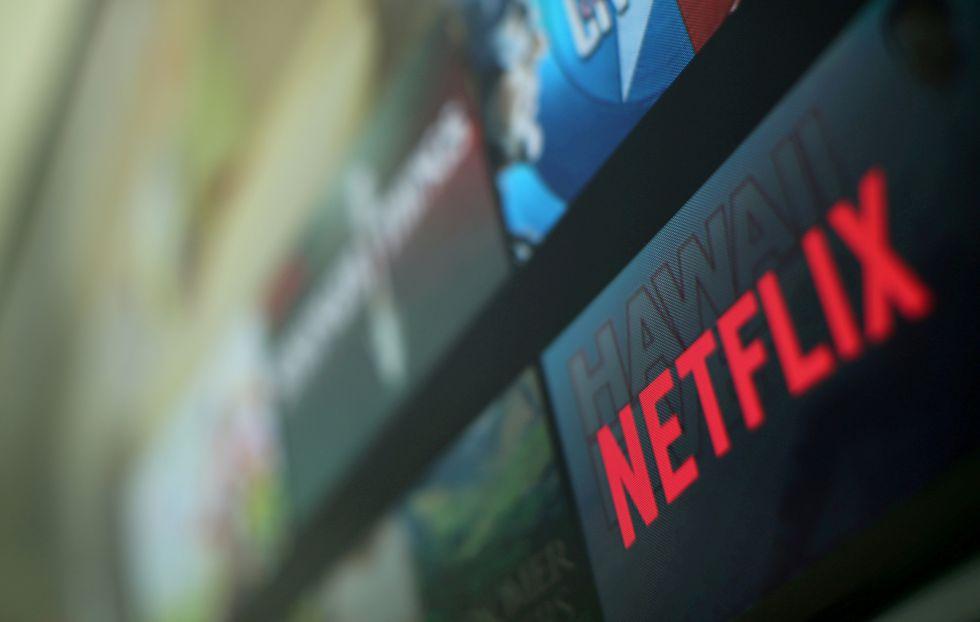 Netflix no solo deberá enfrentar la salida de grandes show de su catálogo, sino la llegada de nueva competencia, como los servicios de streaming de Apple y Disney. (Foto: Reuters)