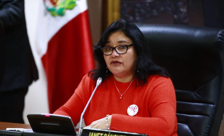 La titular de la Comisión de Ética, Janet Sánchez, indicó que se ha seguido el debido proceso contra Daniel Salaverry. (Foto: Congreso)