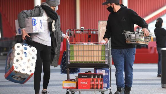 Coronavirus en Australia | Ultimas noticias | Último minuto: reporte de infectados y muertos hoy, domingo 2 de agosto | Covid-19 | La gente hizo compras de última hora antes del inicio del toque de queda en Melbourne. (Foto: William WEST / AFP).
