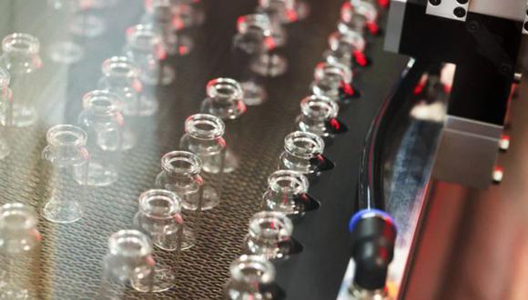 Los alimentos, las bebidas y el tabaco son el sector que tiene la mayor correlación con las probabilidades de una vacuna, dijo Goldman.