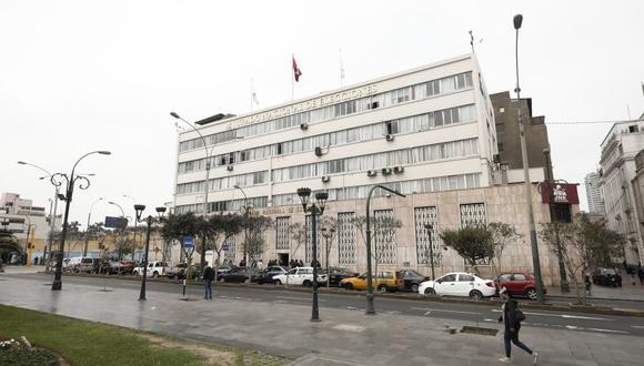 El JNE revisa en última instancia los casos de presunta vulneración de la neutralidad en campaña por parte de los funcionarios públicos