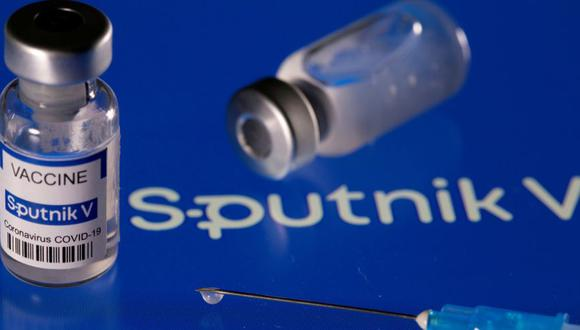 La vacuna de Sputnik se encuentra en un proceso de evaluación continua en la EMA desde el 4 de marzo y todavía no hay un calendario definido sobre cuándo el desarrollador ruso podrá solicitar una licencia de uso en la Unión Europea. REUTERS / Dado Ruvic/File Photo