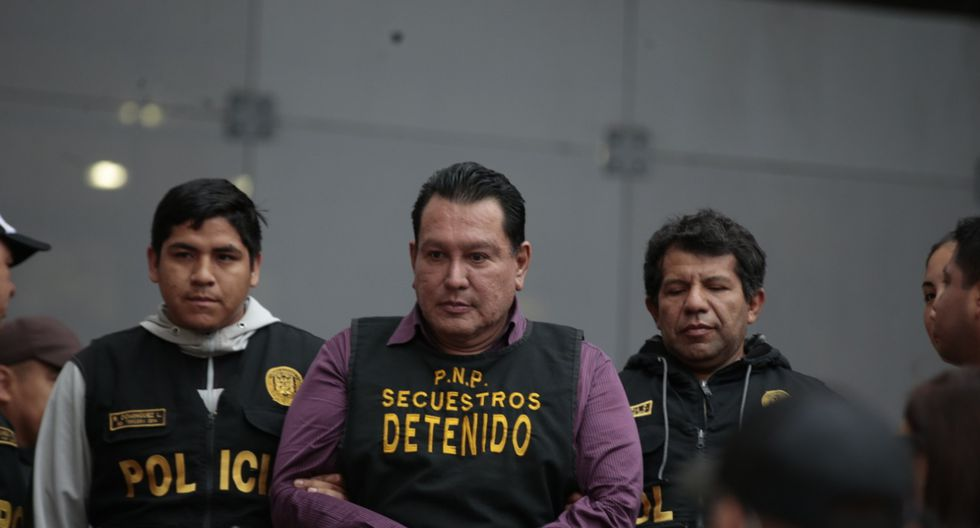 El exgobernador Félix Moreno fue trasladado a sede de Medicina Legal.  (Kelvin García / GEC)