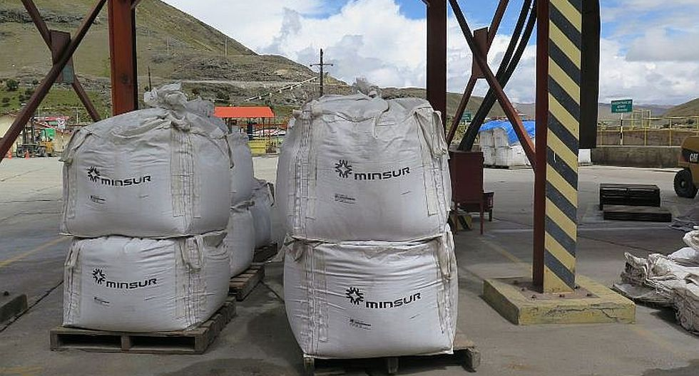 La agencia S&P colocó ayer sus calificaciones crediticias y de emisión 'BBB-' de la compañía minera peruana en CreditWatch con implicaciones negativas. (FOTOS)