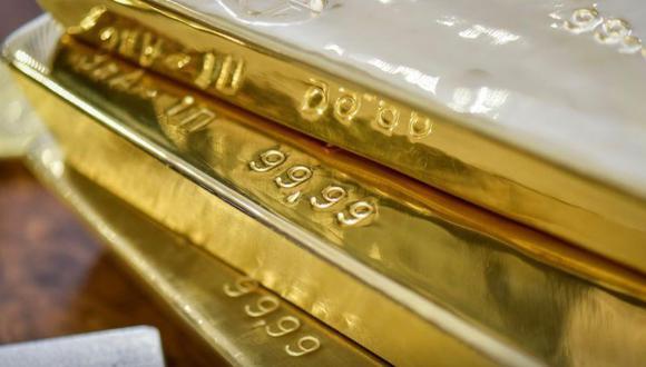 El oro subía el jueves afectado por la debilidad del dólar y de los retornos de los bonos del Tesoro de Estados Unidos. (REUTERS/Mariya Gordeyeva)