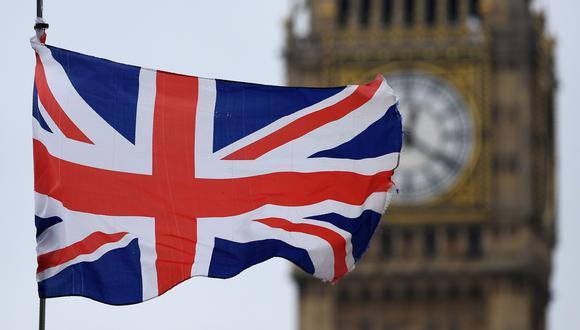 Bruselas y Londres dispondrán de once meses para alcanzar un segundo acuerdo después de que el 31 de enero se certifique el Brexit. (Foto: AFP).