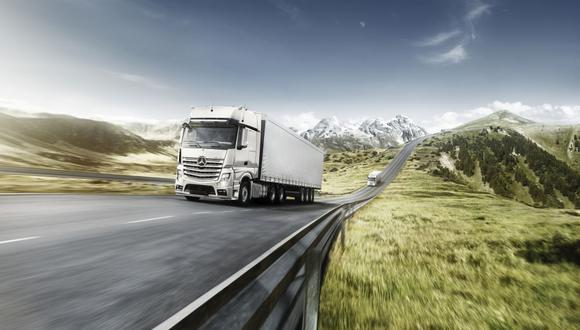 Mercedes Benz es una de las marcas de camiones más demandadas en el mercado. (Foto: Divemotor)