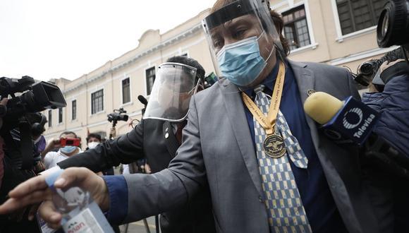 El dominical también apunta que la fiscalía analizó 9 órdenes de servicio a Ricardo Cisneros que habrían sido direccionadas buscando favorecerlo. (Foto: César Campos/@photo.gec)