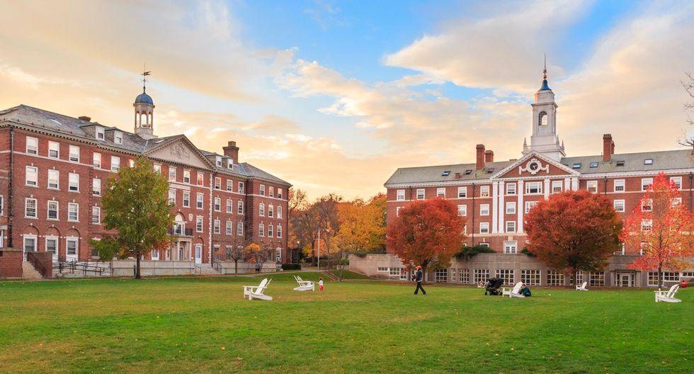 Los abogados del demandante argumentaron que Harvard había utilizado criterios de personalidad para suprimir las admisiones asiáticas en favor de los solicitantes negros, hispanos y blancos. (Foto: Shutterstock)
