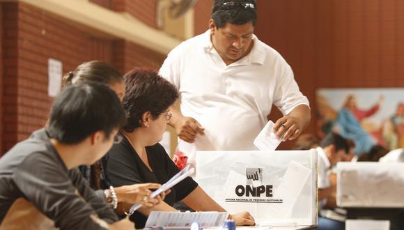 Cuestionamiento. El 46.3% del segmento E viciaría su voto en una eventual nueva elección. (Foto: Manuel Melgar)
