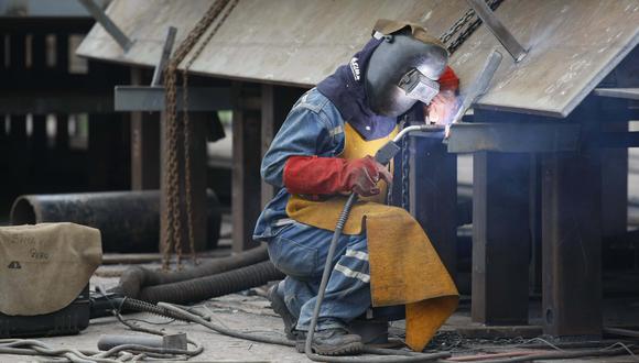 La actividad industrial puede producir contaminación acústica o atmosférica, entre otras consecuencias. (Foto: GEC)