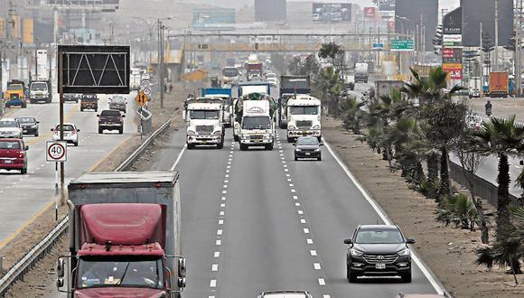 Transportistas. Suspendieron el paro que anunciaron para hoy. (Foto: Violeta Ayasta / GEC)