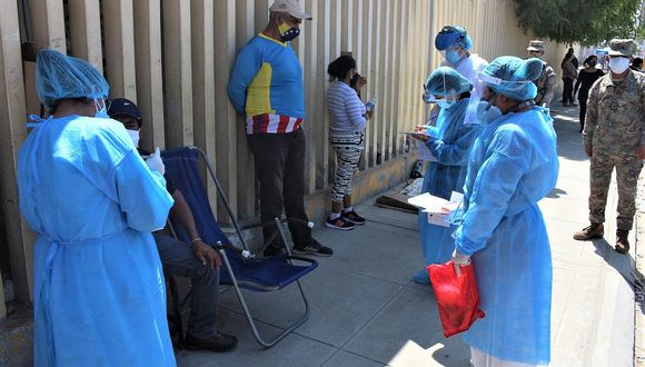 """El ministro de Defensa,. Walter Martos, afirmó que la situación de infectados """"todavía es manejable"""" y se está aumentando la oferta de salud. (Foto: GEC)"""