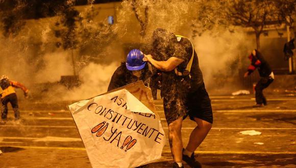 La represión policial ocasionó la muerte de dos jóvenes y dejó heridos a varias decenas.