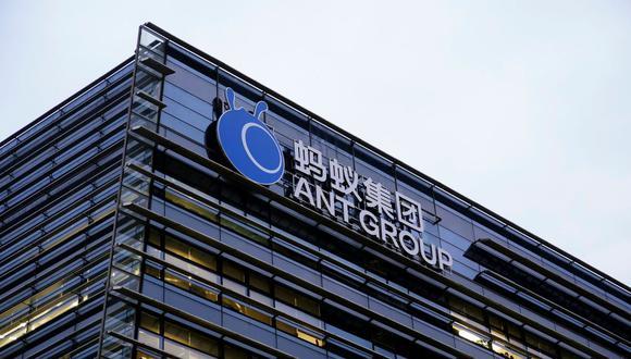 Los inversores, tanto minoristas como institucionales, se apresuraron a comprar acciones de Ant, que opera la mayor plataforma de pagos de China y otros servicios financieros, a pesar de los riesgos de un mayor escrutinio en el país y en el extranjero. (Foto: Reuters)